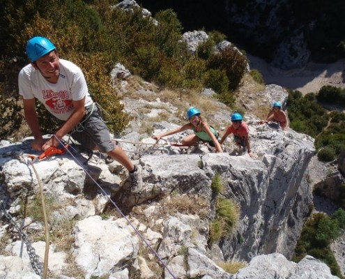 Ascensión de via ferrata en Huesca, Sierra de Guara